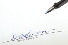 Κινηματογράφηση σε πρώτο πλάνο υπογραφών στοκ εικόνα με δικαίωμα ελεύθερης χρήσης