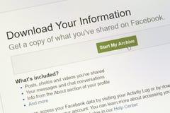Κινηματογράφηση σε πρώτο πλάνο Download η περιοχή πληροφοριών σας στον ιστοχώρο facebook Στοκ εικόνες με δικαίωμα ελεύθερης χρήσης