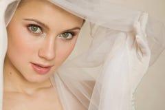 Κινηματογράφηση σε πρώτο πλάνο portret της νύφης στοκ φωτογραφία με δικαίωμα ελεύθερης χρήσης