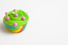 Κινηματογράφηση σε πρώτο πλάνο ενός ζωηρόχρωμου cupcake Στοκ εικόνα με δικαίωμα ελεύθερης χρήσης