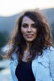 Κινηματογράφηση σε πρώτο πλάνο ενός όμορφου λατινικού κοριτσιού Στοκ φωτογραφία με δικαίωμα ελεύθερης χρήσης