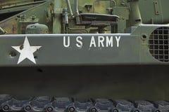 Κινηματογράφηση σε πρώτο πλάνο δεξαμενών με το αμερικάνικο στρατό κειμένων σε το Στοκ φωτογραφίες με δικαίωμα ελεύθερης χρήσης