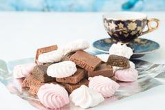 Κινηματογράφηση σε πρώτο πλάνο επιδορπίων σοκολάτας Φραγμός σοκολάτας Στοκ Εικόνες