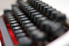 Κινηματογράφηση σε πρώτο πλάνο/λεπτομέρεια από μια εκλεκτής ποιότητας γραφομηχανή Στοκ εικόνες με δικαίωμα ελεύθερης χρήσης
