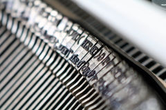 Κινηματογράφηση σε πρώτο πλάνο/λεπτομέρεια από μια εκλεκτής ποιότητας γραφομηχανή Στοκ Φωτογραφία