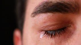 Κινηματογράφηση σε πρώτο πλάνο ματιών νεαρών άνδρων φιλμ μικρού μήκους