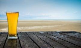 Κινηματογράφηση σε πρώτο πλάνο μπύρας Στοκ φωτογραφία με δικαίωμα ελεύθερης χρήσης