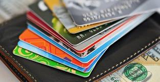 Κινηματογράφηση σε πρώτο πλάνο πιστωτικών καρτών Στοκ Φωτογραφίες