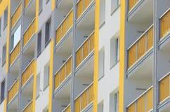 Κινηματογράφηση σε πρώτο πλάνο πολυκατοικιών Στοκ Φωτογραφία