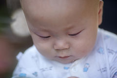 Κινηματογράφηση σε πρώτο πλάνο προσώπου μωρών Στοκ Εικόνες