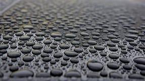 Κινηματογράφηση σε πρώτο πλάνο πτώσεων βροχής Στοκ εικόνα με δικαίωμα ελεύθερης χρήσης