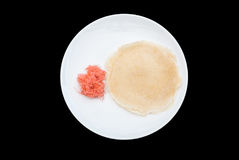 Κινηματογράφηση σε πρώτο πλάνο στην ταϊλανδική τηγανίτα Burrito καραμελών βαμβακιού στο πιάτο Στοκ Φωτογραφία