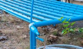 Κινηματογράφηση σε πρώτο πλάνο στους μπλε σωλήνες Hydroponics που φυτεύει το σύστημα Στοκ εικόνες με δικαίωμα ελεύθερης χρήσης