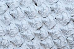 Κινηματογράφηση σε πρώτο πλάνο στο σωρό της άσπρης σύστασης υποβάθρου κλίμακας Στοκ φωτογραφία με δικαίωμα ελεύθερης χρήσης