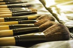 Κινηματογράφηση σε πρώτο πλάνο της βούρτσας makeup Στοκ Εικόνες