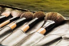 Κινηματογράφηση σε πρώτο πλάνο της βούρτσας makeup Στοκ εικόνα με δικαίωμα ελεύθερης χρήσης