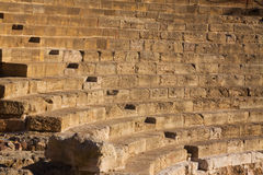 Κινηματογράφηση σε πρώτο πλάνο της καταστροφής του παλαιού ρωμαϊκού θεάτρου Στοκ Φωτογραφίες