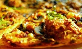 Κινηματογράφηση σε πρώτο πλάνο της πίτσας Στοκ φωτογραφίες με δικαίωμα ελεύθερης χρήσης