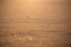 Κινηματογράφηση σε πρώτο πλάνο της χρυσής άμμου ανατολής ηλιοβασιλέματος Στοκ φωτογραφίες με δικαίωμα ελεύθερης χρήσης