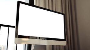 Κινηματογράφηση σε πρώτο πλάνο του γενικού υπολογιστή σχεδίου στον ξύλινο Στοκ Φωτογραφίες