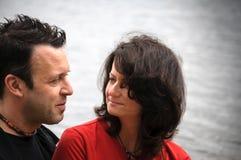 Κινηματογράφηση σε πρώτο πλάνο του ευτυχούς ζεύγους Στοκ φωτογραφία με δικαίωμα ελεύθερης χρήσης