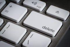 Κινηματογράφηση σε πρώτο πλάνο του κλειδιού διαγραφής σε ένα πληκτρολόγιο Στοκ Φωτογραφίες
