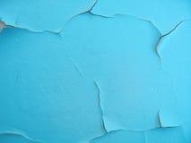 Κινηματογράφηση σε πρώτο πλάνο του μπλε ηλικίας χρώματος στον τοίχο Στοκ εικόνα με δικαίωμα ελεύθερης χρήσης