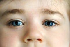 Κινηματογράφηση σε πρώτο πλάνο του προσώπου του παιδιού Στοκ Φωτογραφία