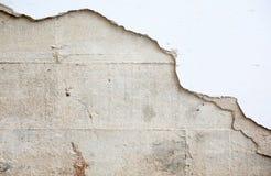Κινηματογράφηση σε πρώτο πλάνο του ραγισμένου συμπαγούς τοίχου Στοκ Φωτογραφίες
