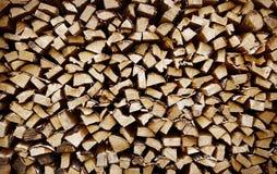 κινηματογράφηση σε πρώτο πλάνο του τεμαχισμένου ξύλινου σωρού πυρκαγιάς Στοκ φωτογραφία με δικαίωμα ελεύθερης χρήσης