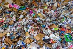 Κινηματογράφηση σε πρώτο πλάνο των ανακυκλωμένων προϊόντων εγγράφου Στοκ Φωτογραφία