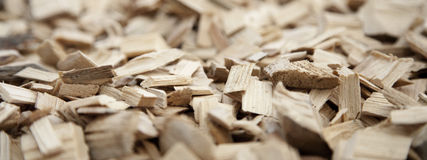 Κινηματογράφηση σε πρώτο πλάνο των ξύλινων τσιπ Στοκ Εικόνες
