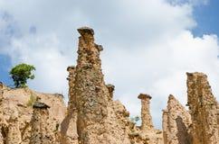 Κινηματογράφηση σε πρώτο πλάνο των σχηματισμών βράχου στην πόλη διαβόλων, Σερβία Στοκ Εικόνα