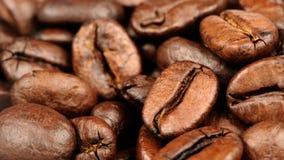 Κινηματογράφηση σε πρώτο πλάνο φασολιών καφέ (λόγος διάστασης 16:9) στοκ φωτογραφία με δικαίωμα ελεύθερης χρήσης