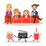 Κινηματογράφος οικογενειακής προσοχής, ευτυχής οικογένεια σε έναν κινηματογράφο μαζί, τον κινηματογράφο και clapper και popcorn Στοκ Εικόνες