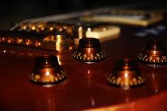 Κινηματογραφήσεις σε πρώτο πλάνο μιας ηλεκτρικής κιθάρας Στοκ Φωτογραφίες