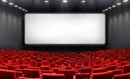 Κινηματογραφική αίθουσα με την κενή οθόνη και τα κόκκινα καθίσματα Στοκ φωτογραφίες με δικαίωμα ελεύθερης χρήσης
