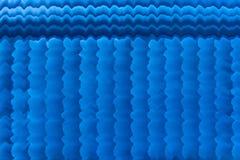 Κινηματογραφικών αιθουσών ριγωτό ύφος λωρίδων κουρτινών μπλε στοκ φωτογραφίες