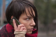κινητές νεολαίες γυναι&kap Στοκ Εικόνα