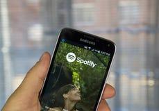 Κινητή εφαρμογή Spotify στοκ εικόνες