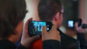 Κινητή κάμερα τηλεφωνικής συναυλίας musuc απόθεμα βίντεο