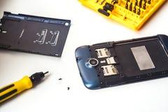 Κινητή τηλεφωνική επισκευή Στοκ εικόνες με δικαίωμα ελεύθερης χρήσης