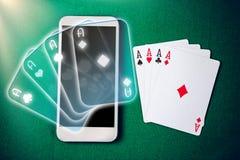 Κινητή χαρτοπαικτική λέσχη Σε απευθείας σύνδεση χαρτοπαικτική λέσχη στο smartphone Στοκ Εικόνες