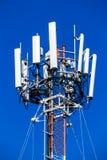 Κινητός τηλεφωνικός ραδιο πύργος επικοινωνιών Στοκ φωτογραφίες με δικαίωμα ελεύθερης χρήσης