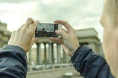 κινητός φωτογράφος Στοκ φωτογραφία με δικαίωμα ελεύθερης χρήσης