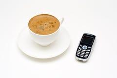 κινητό τηλέφωνο καφέ στοκ εικόνες
