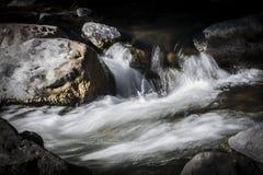 Κινούμενα ορμητικά σημεία ποταμού σε Sedona Αριζόνα Στοκ Εικόνες