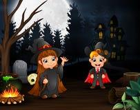 Κινούμενα σχέδια της μάγισσας και του βαμπίρ υπαίθρια στη νύχτα ελεύθερη απεικόνιση δικαιώματος