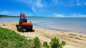 Κινούμενη άμμος παραλιών εκσκαφέων μετά από τη διάβρωση Στοκ φωτογραφίες με δικαίωμα ελεύθερης χρήσης