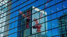 Κινούμενοι γερανοί timelapse στο κτίριο γραφείων σε Shinjuku Τόκιο απόθεμα βίντεο
